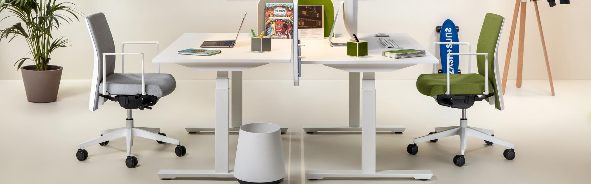 TCare height adjustable table
