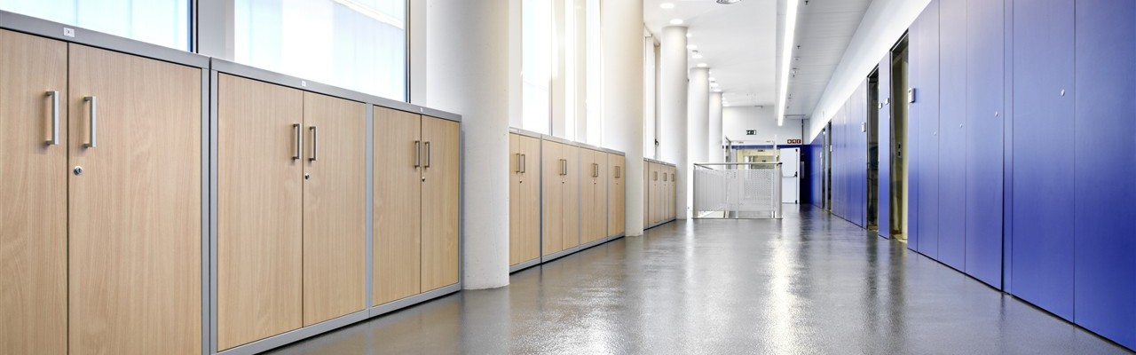 AMT, armario metálico con puertas