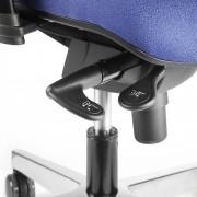 Réglage en hauteur de l'assise au moyen d'un vérin pneumatique (39-41cm.).