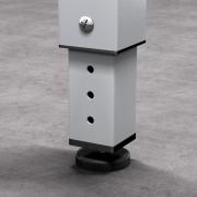 En el programa Adapta, se pueden pedir patas regulables en altura como opción.