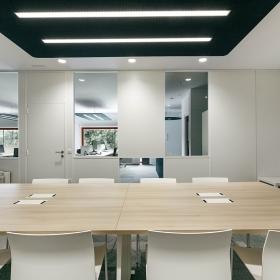 Mesa de reuniones Adapta Plus